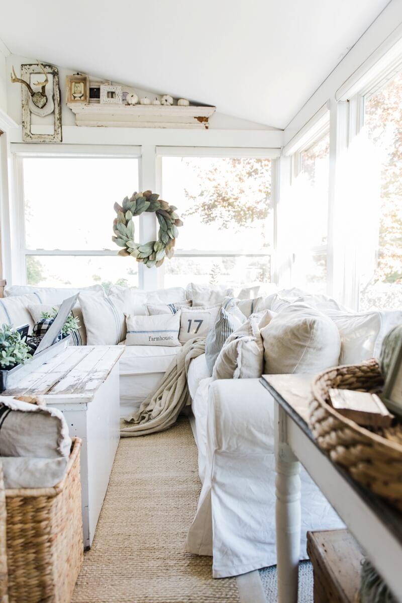 35 Best Farmhouse Living Room Decor Ideas and Designs for 2017 on Farmhouse Decorating Ideas  id=22138