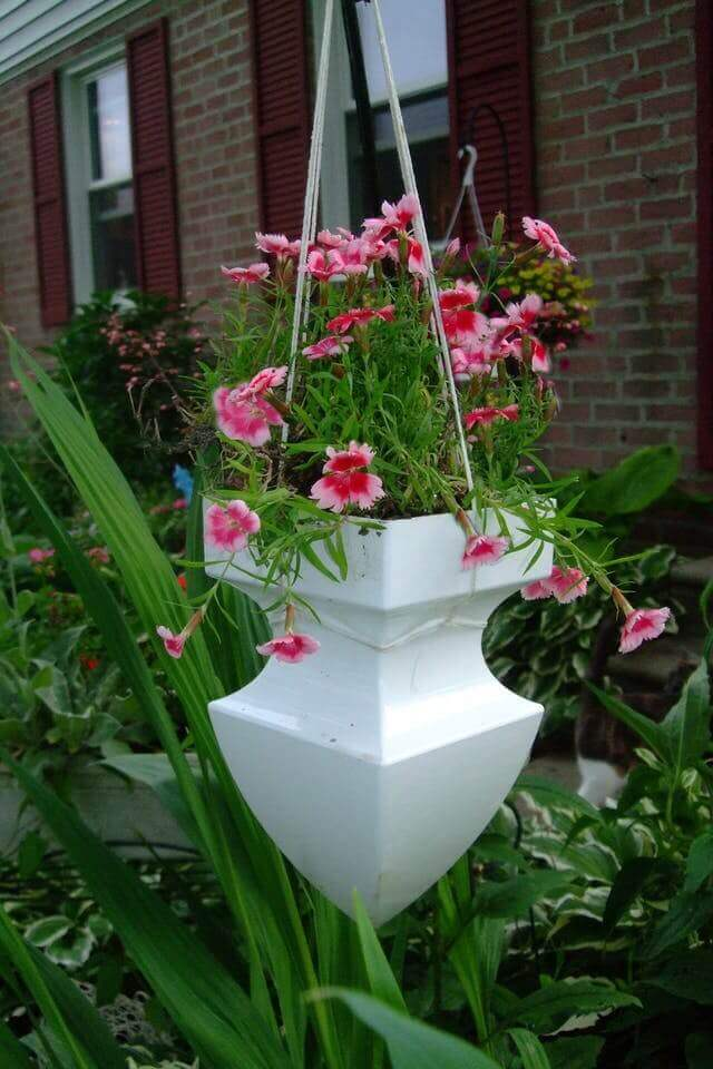 45 Best Outdoor Hanging Planter Ideas and Designs for 2017 on Tree Planting Ideas For Backyard id=22863