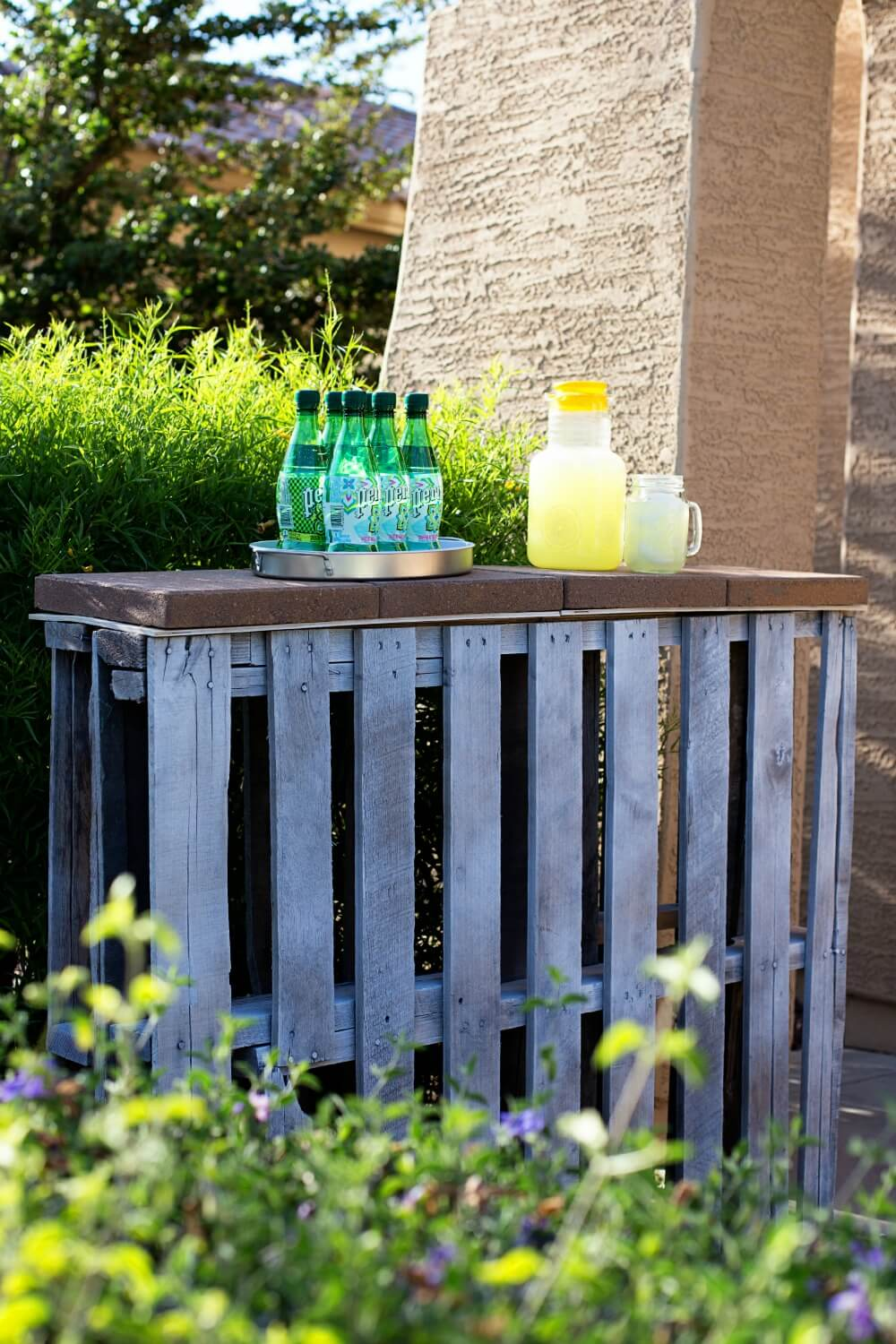 32 Best DIY Outdoor Bar Ideas and Designs for 2017 on Patio With Bar Ideas id=42302