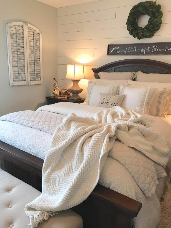 39 Best Farmhouse Bedroom Design and Decor Ideas for 2017 on Farmhouse Bedroom Curtain Ideas  id=91137