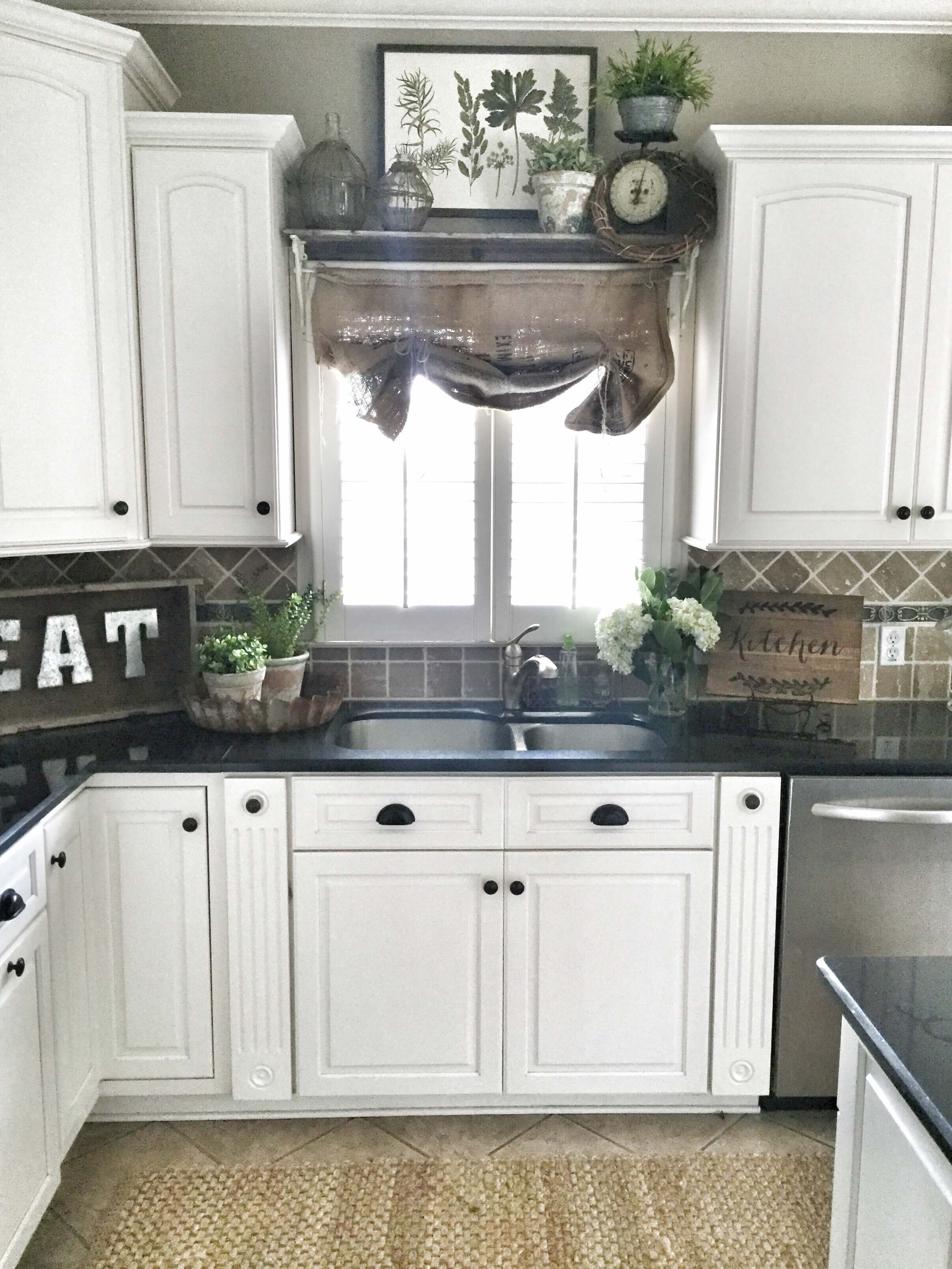 23 best kitchen cabinets painting color ideas and designs on best paint for kitchen cabinets diy id=61010