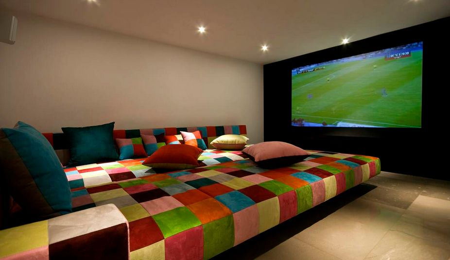 How To Decorate Home Theater Room