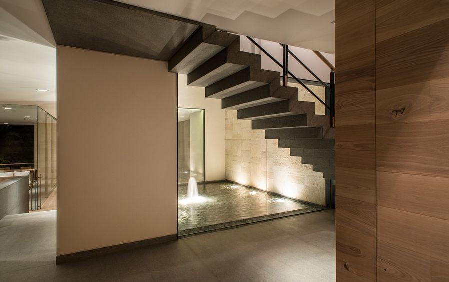 Inside Decoration House