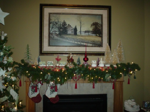 Decorations Admirable Fireplace Christmas With Cream Painted Wall Also Garland And Clic Table Lamp