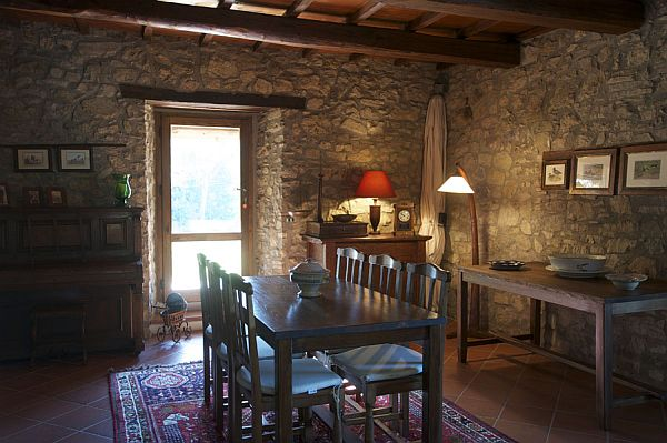 Restored 18th Century Farmhouse In Tuscany For Sale