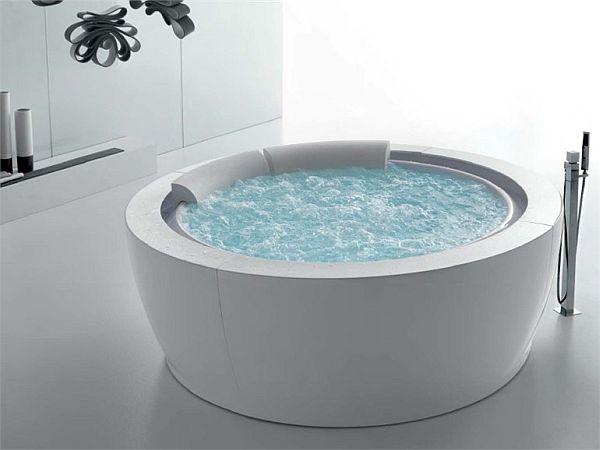The Elegant Bolla Sfioro Round Bathtub By Franco Bertoli