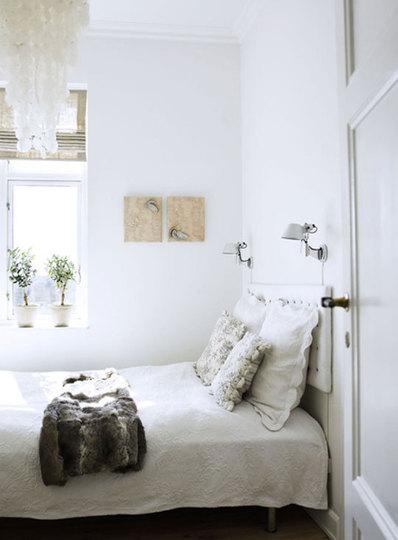 Small Bedroom Decorating Ideas On A Budget on Bedroom Ideas Small Room  id=29930