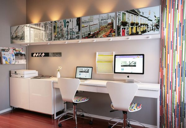 Creative And Simple Display Shelf