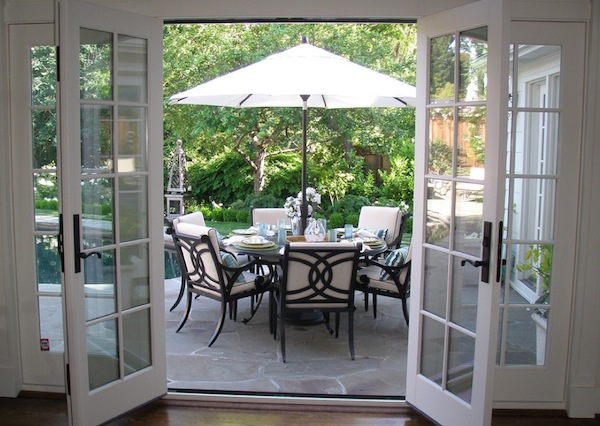 Creative Outdoor Dining Ideas for Your Easter Brunch on Patio Dining Area Ideas id=70762