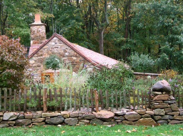 casa rustica con staccionata