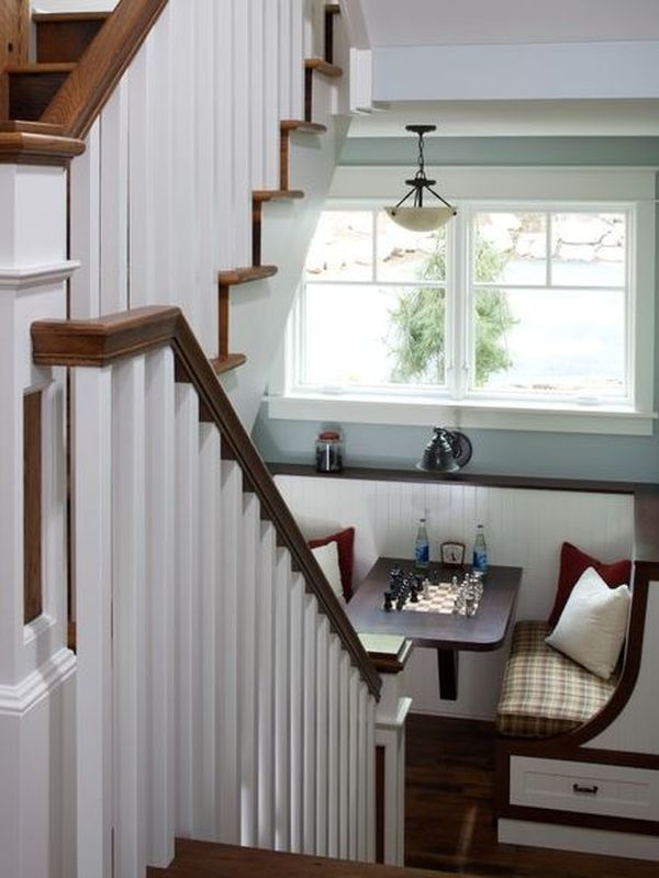 Make That Staircase Landing Gorgeous | Staircase Landing Wall Design | Rural | Foot Stair | Pinterest | Interior | Wood Handrail Pasted