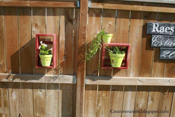 8 Fabulous Fence Decorating Ideas on Backyard Wooden Fence Decorating Ideas  id=61052