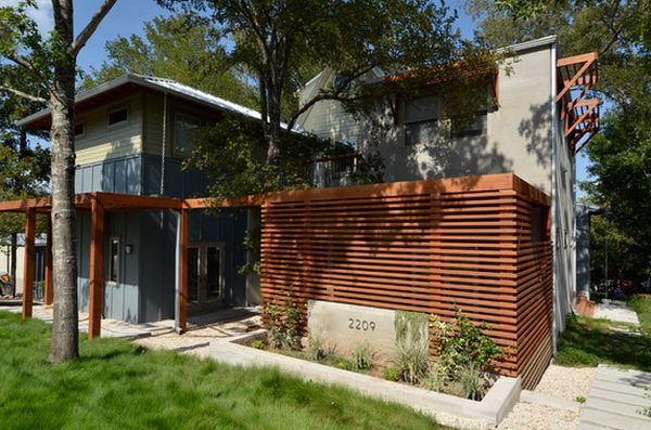 Add Privacy And Beauty To Your Modern Home With A Wood Fence