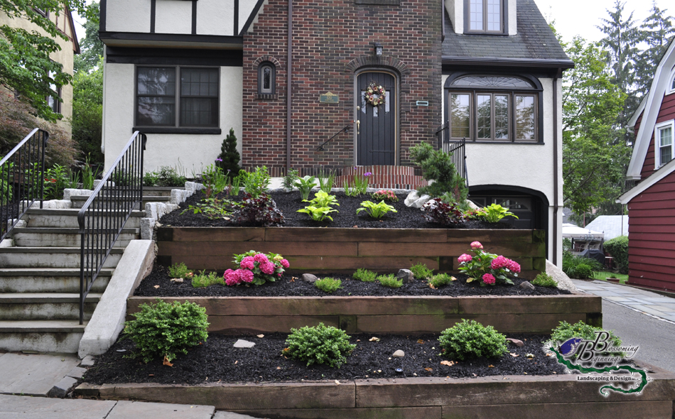 Dos and Don'ts of Front Yard Landscape on Tiered Yard Ideas  id=22457
