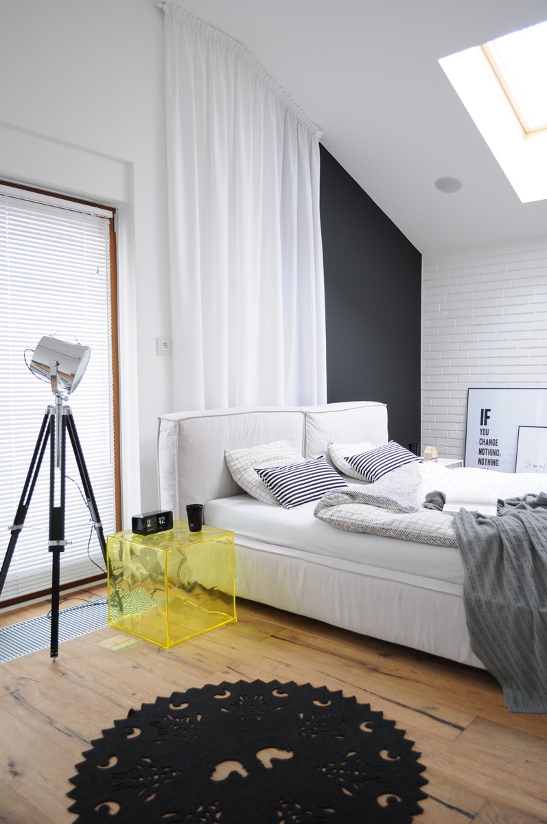 Colorful-apartment-in-Poland-bedroom