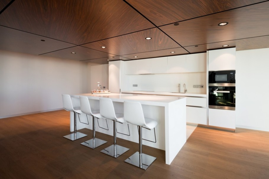 Moscow-penthouse-apartment-kitchen