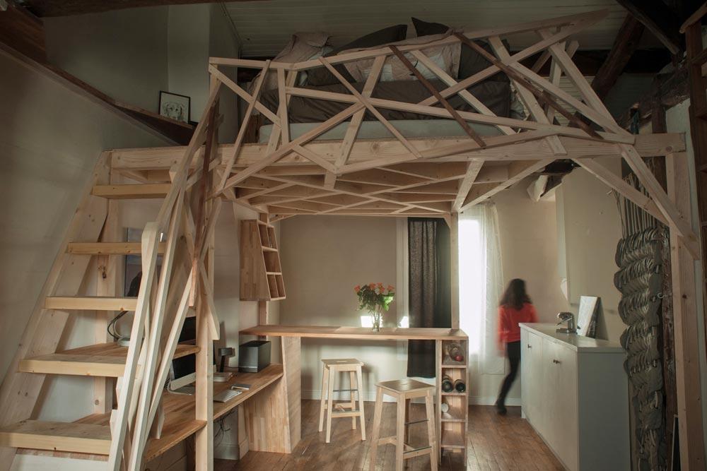 Parisian Micro Apartment Optimized Through A Wooden Sculpture