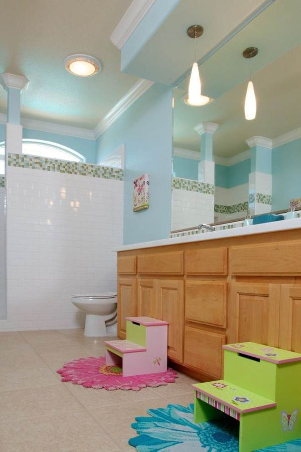 easy ways to style and organize the kids' bathroom