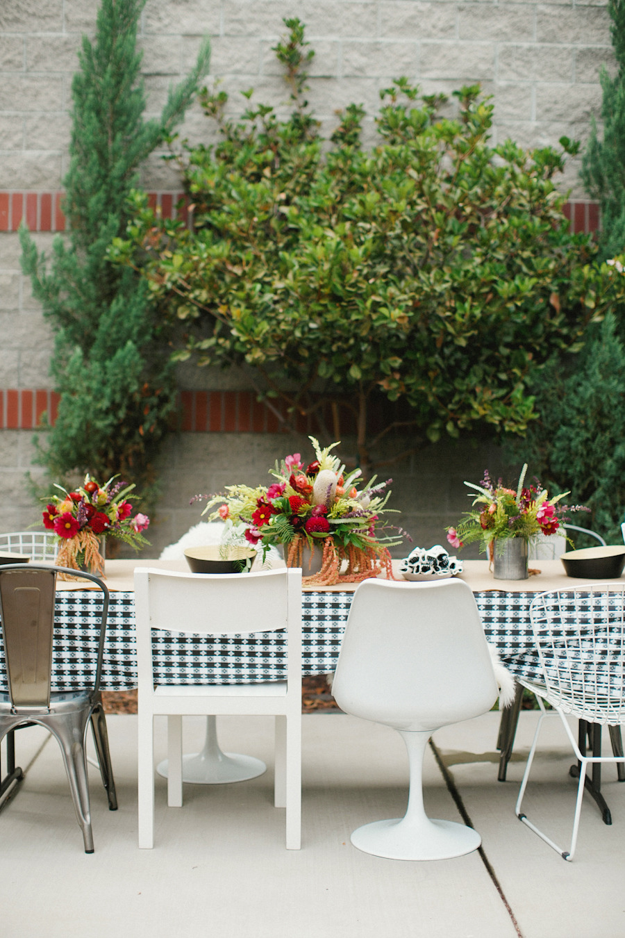 50 Outdoor Party Ideas You Should Try Out This Summer on Backyard Table Decor id=28264