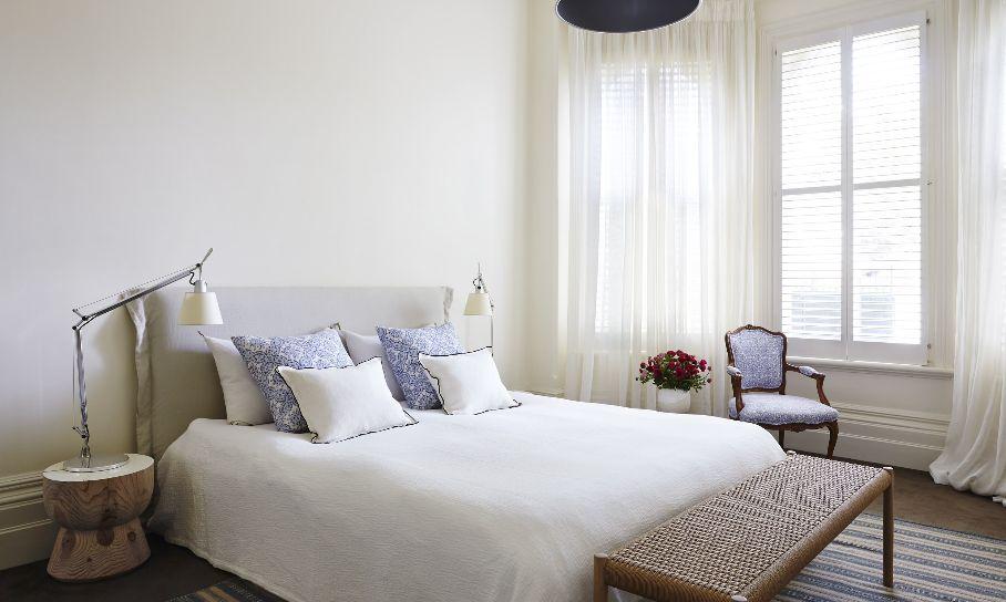 20 Minimalist Bedrooms For the Modern Stylista on Bedroom Minimalist Design  id=18223