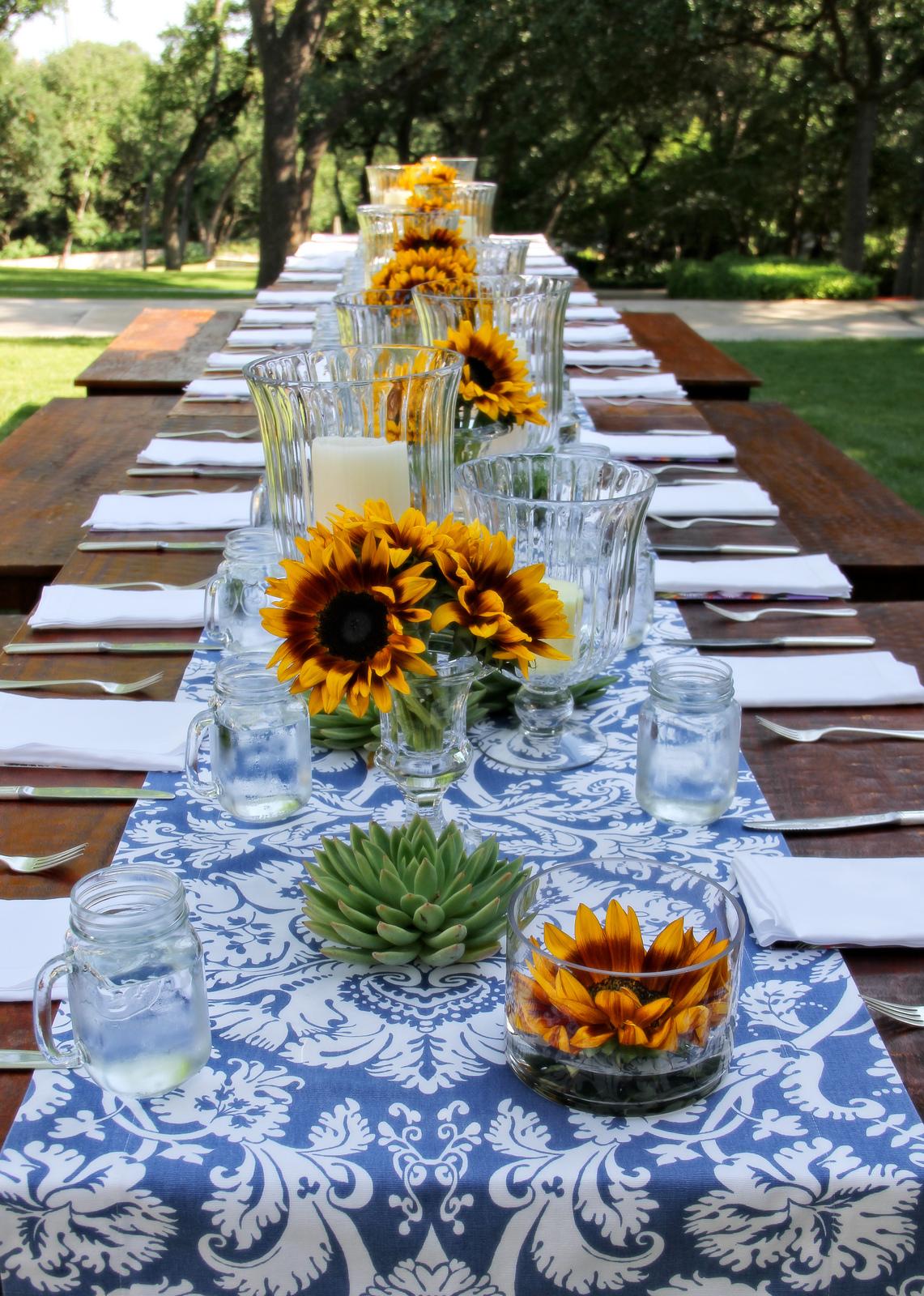 37 Table Decoration Ideas For A Summer Garden Party ... on Backyard Table Decor id=73892