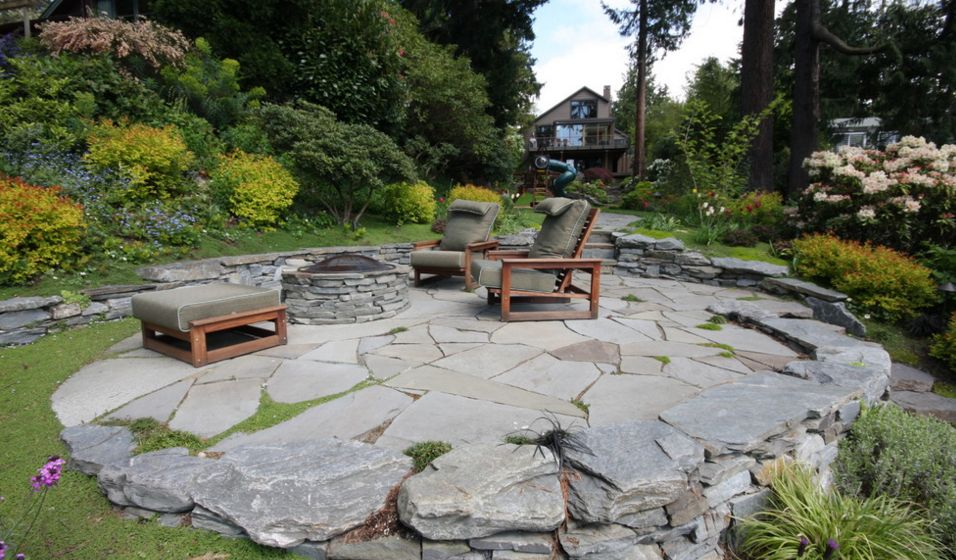 How To Set Up A Flagstone Patio Design on Rock Patio Designs  id=88342