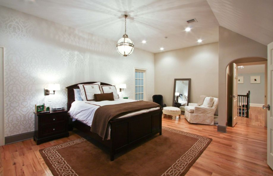 20 Ways Bedroom Wallpaper Can Transform the Space on Room Decor Pictures  id=91400