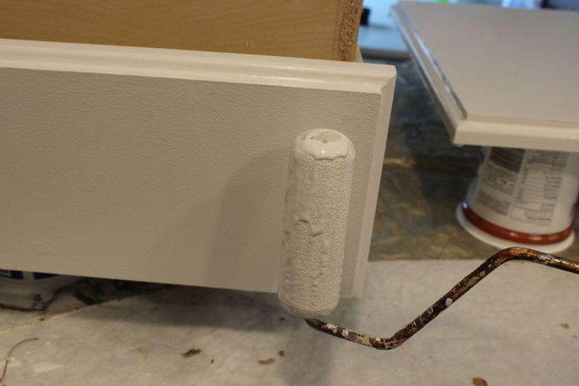 DIY Upgrade Bathroom Vanity- foam roller