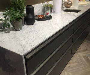 Countertop and backsplash in marble