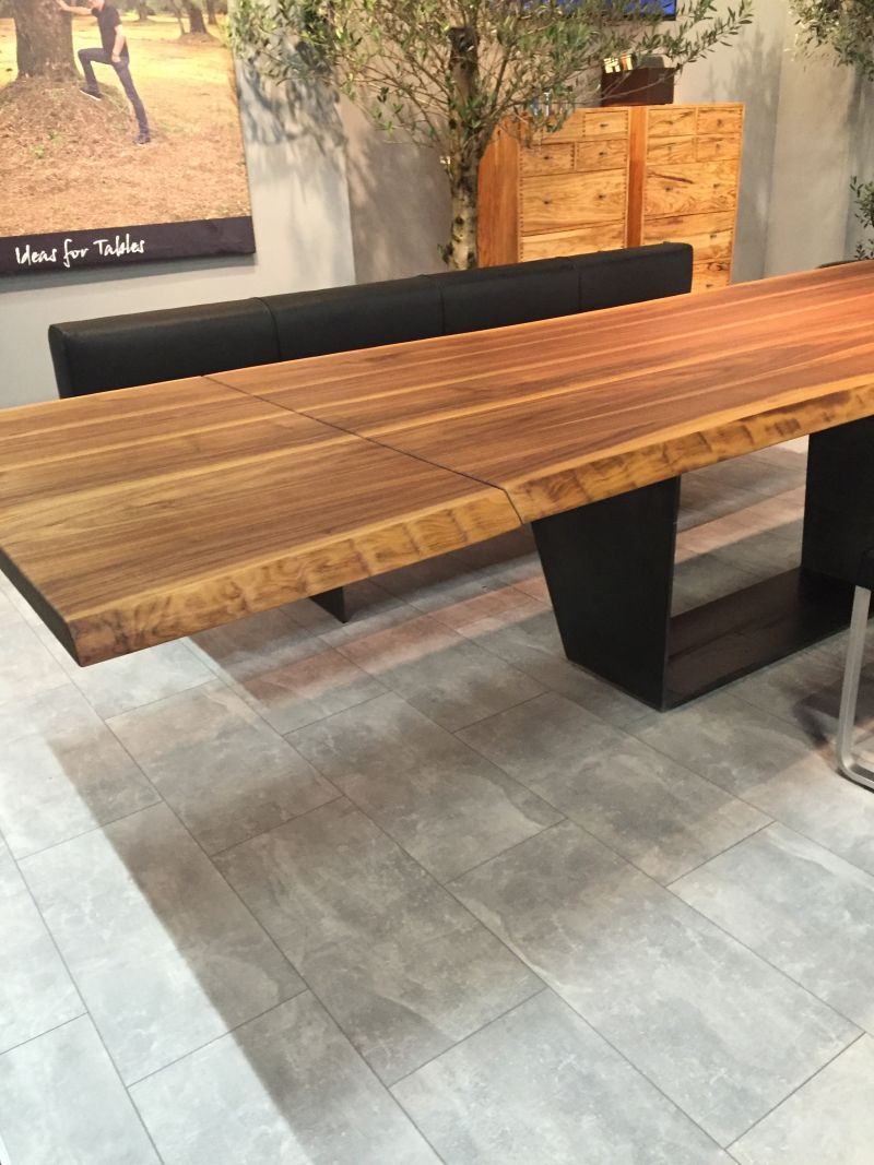 Floating style dining table