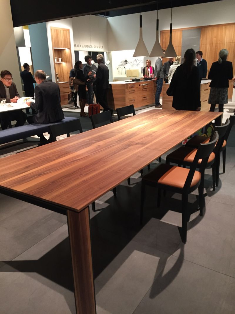 Sleek wood finish for dining table