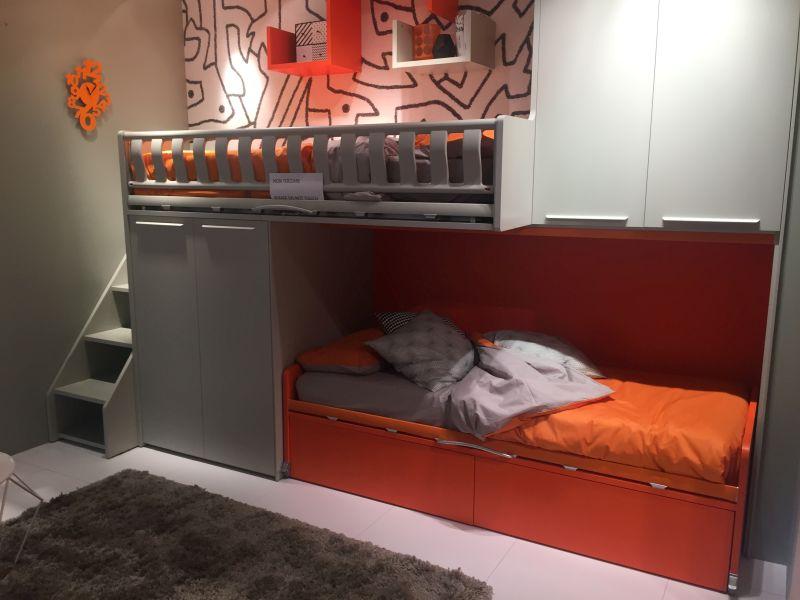 Custom bunk beds for kids bedroom