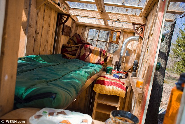 Eco-friendly micro houses made from household junk cozy retreat