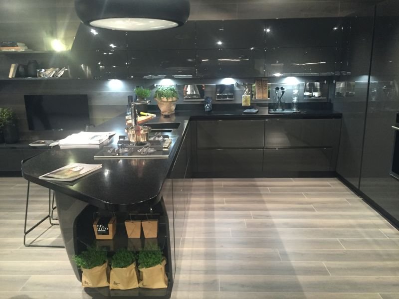 Grey lacquered kitchen design
