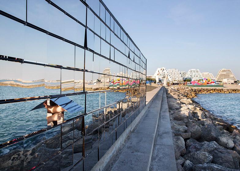 Nas Architecture Breath box seaside pavilion dynamic mirror
