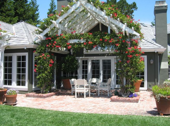 How To Lay A Brick Patio - Tips And Design Ideas on White Patio Ideas id=52924