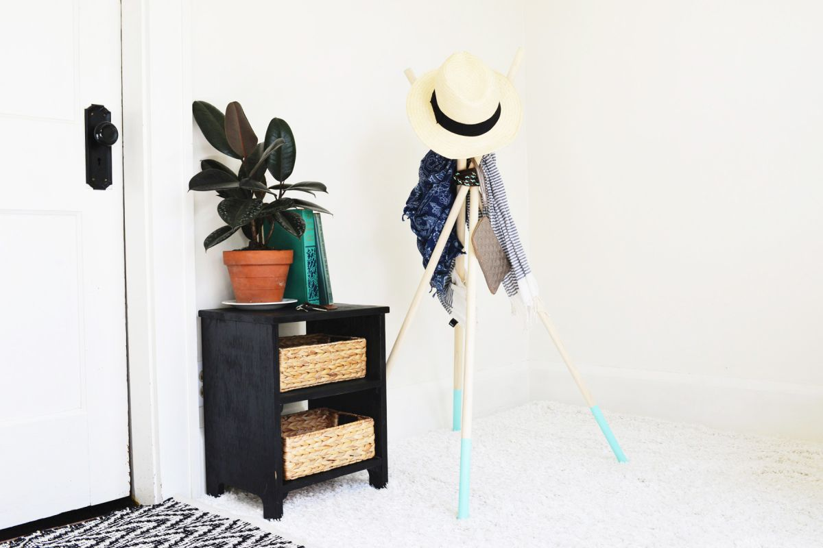 Colorful diy coat rack
