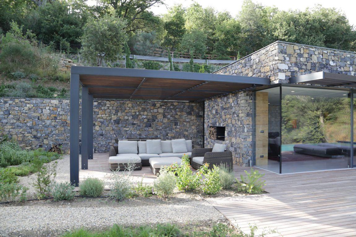 Impreia Italy outdoo patio area