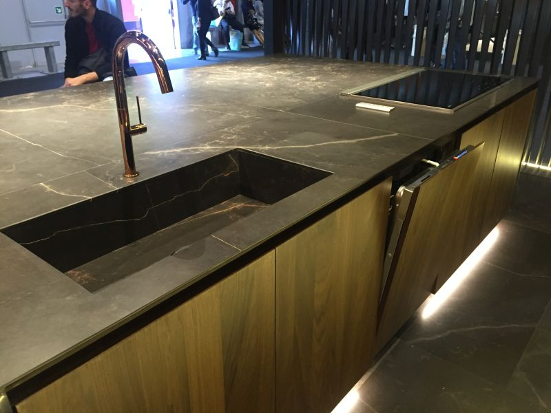 Kitchen Island with floor High-Efficiency LED Lighting