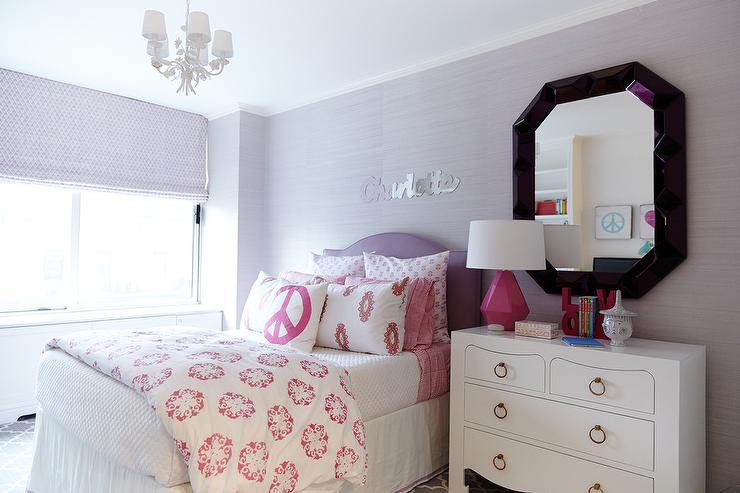 Levender teenage girl room