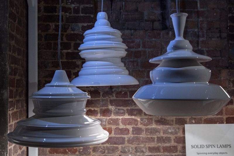 Solid spin lamps from ceramic and porcelain