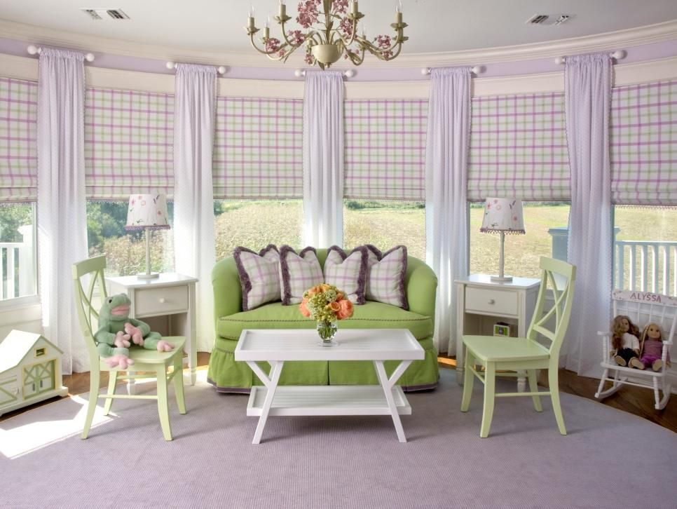 Traditional levender room design