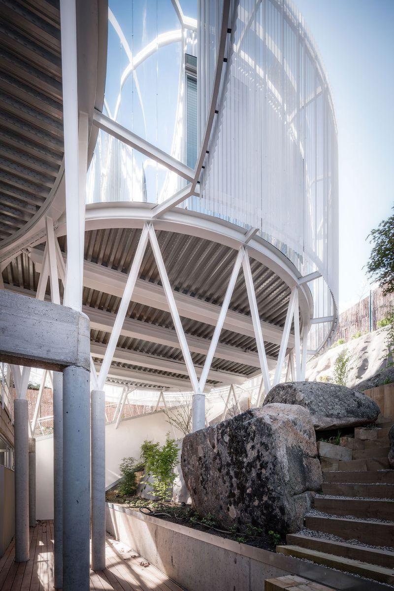 Casa Tobogan stones and stairs