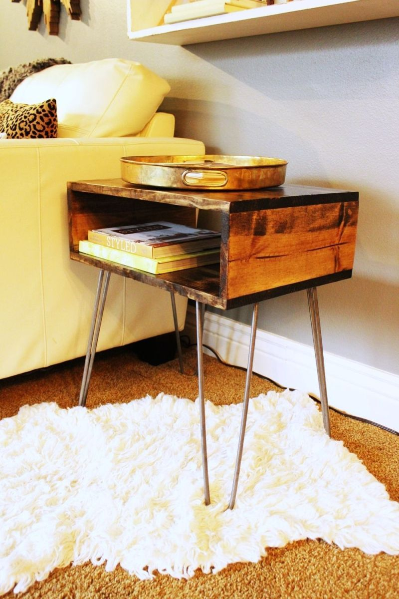 Hairpin legs side table