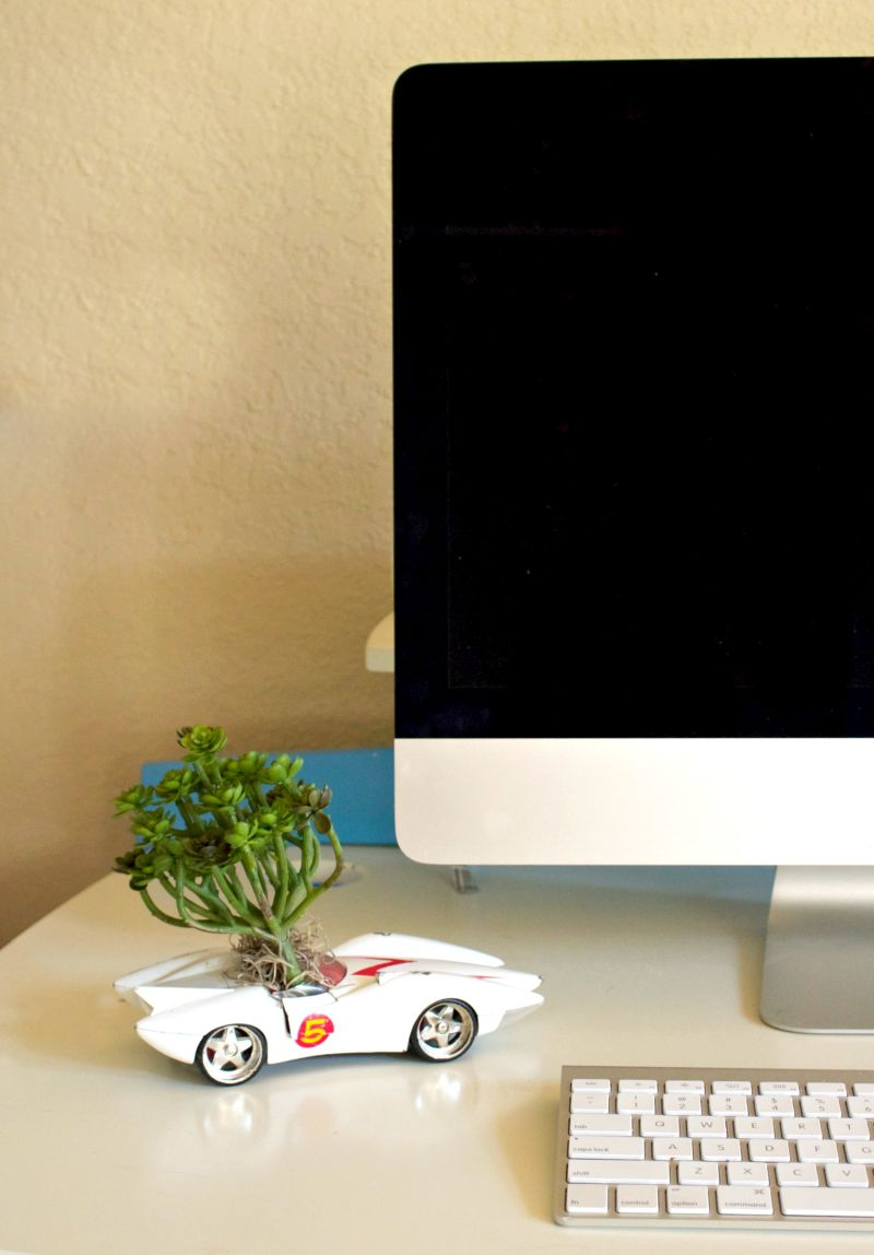 Old car desk planter