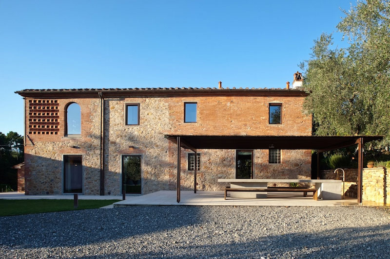 Renovated country house in Lucca brick walls