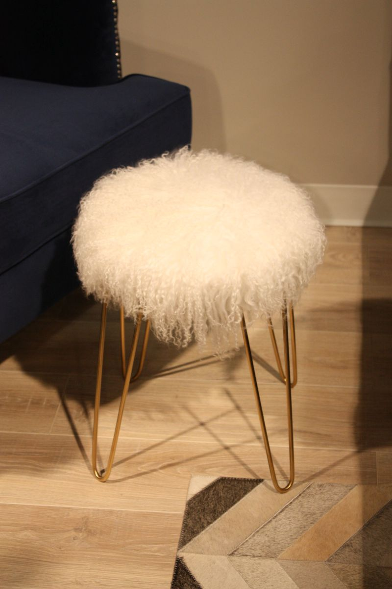 Soft stool with gold hairpin legs