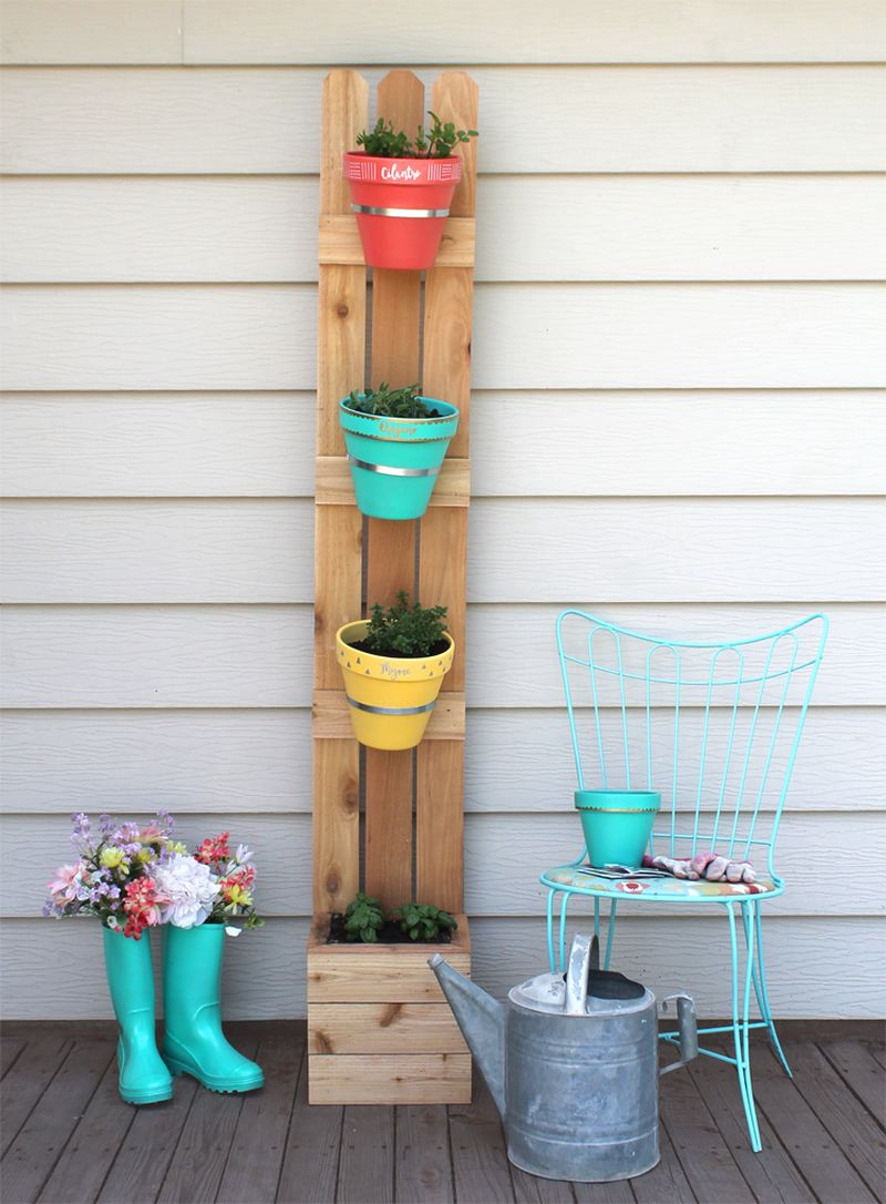 Vertical planter from wood