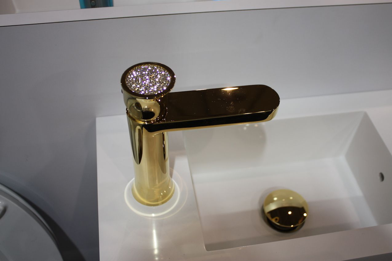 neo metro bejeweled faucet