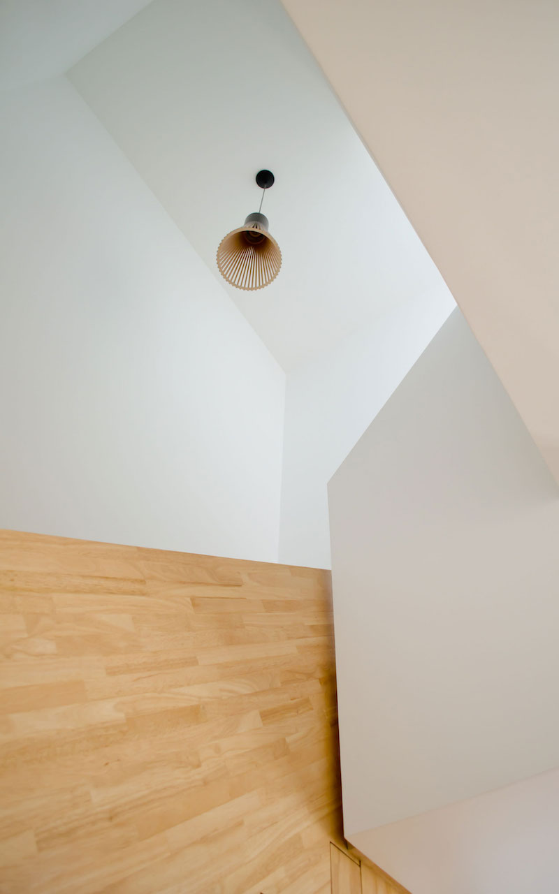 A big Little nest staircase lighting